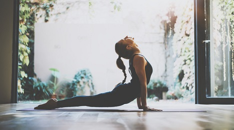 16 health benefits of doing yoga for ...