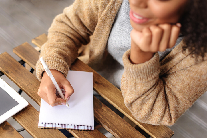 Therapeutic benefits of writing letters